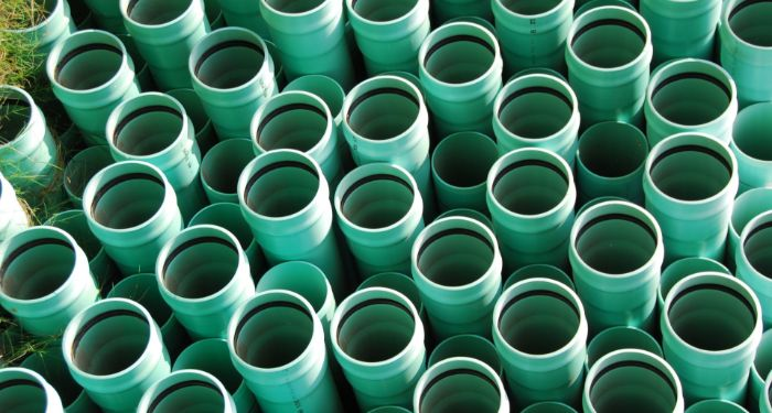 green guttering pipes